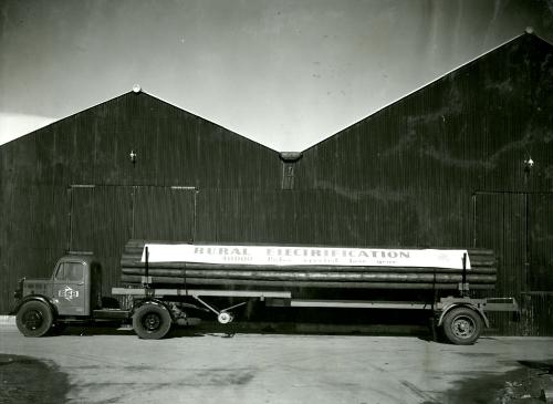 Bedford-Carrimore pole carrier with a load of standard poles as used by R.E.O